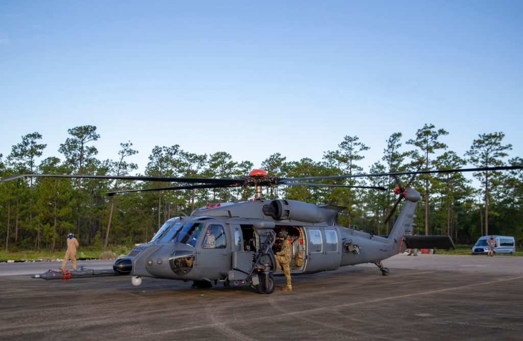 New-US-CSAR-helicopter-Jolly-Green-II-begins-live-fire-testing1-1024x667.jpg