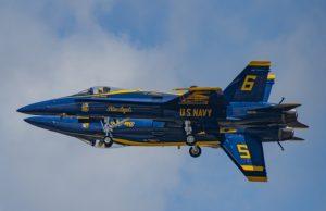 US Navy Blue Angels fortis maneuver