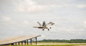 Super Hornet Indian aircraft carrier test
