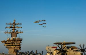 US and French aircraft in dual flight operations in Middle East
