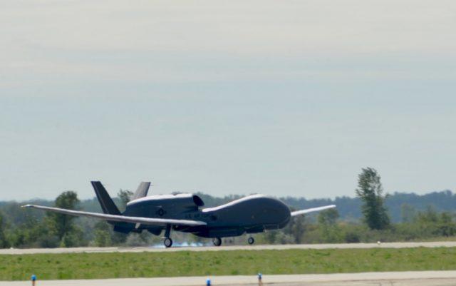 https://defbrief.com/wp-content/uploads/2021/08/US-Air-Force-RQ-4-Block-40-Global-Hawk-crashes-in-North-Dakota-640x401.jpg