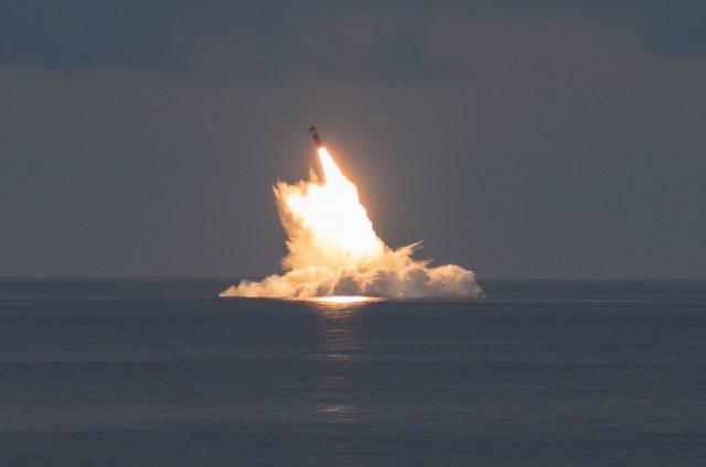 https://defbrief.com/wp-content/uploads/2021/09/Ballistic-missile-submarine-USS-Wyoming-tests-Trident-II-off-Florida-640x424.jpg