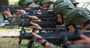 Lithuanian soldiers with G36 rifles