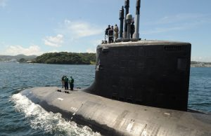 USS Hawaii (SSN 776) transits Tokyo Bay
